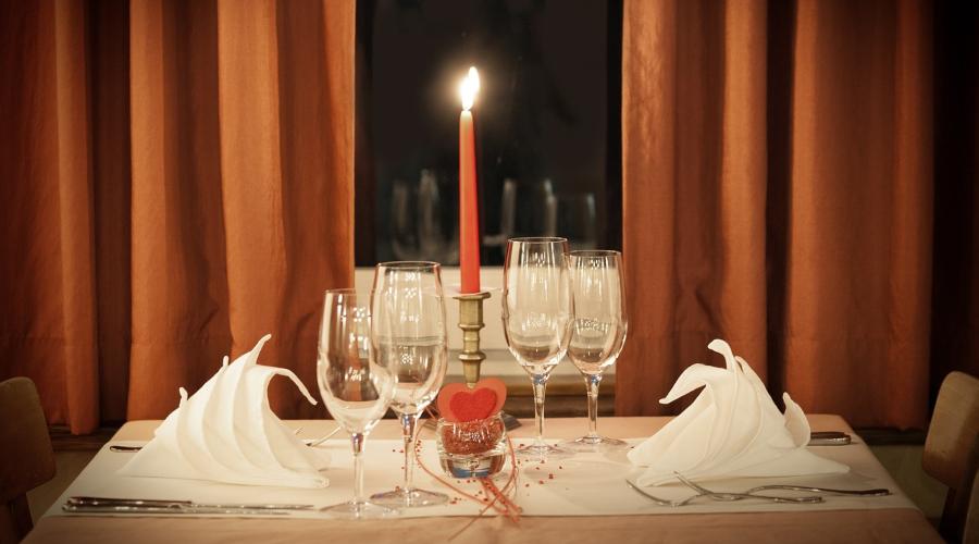 romantiskas vakariņas