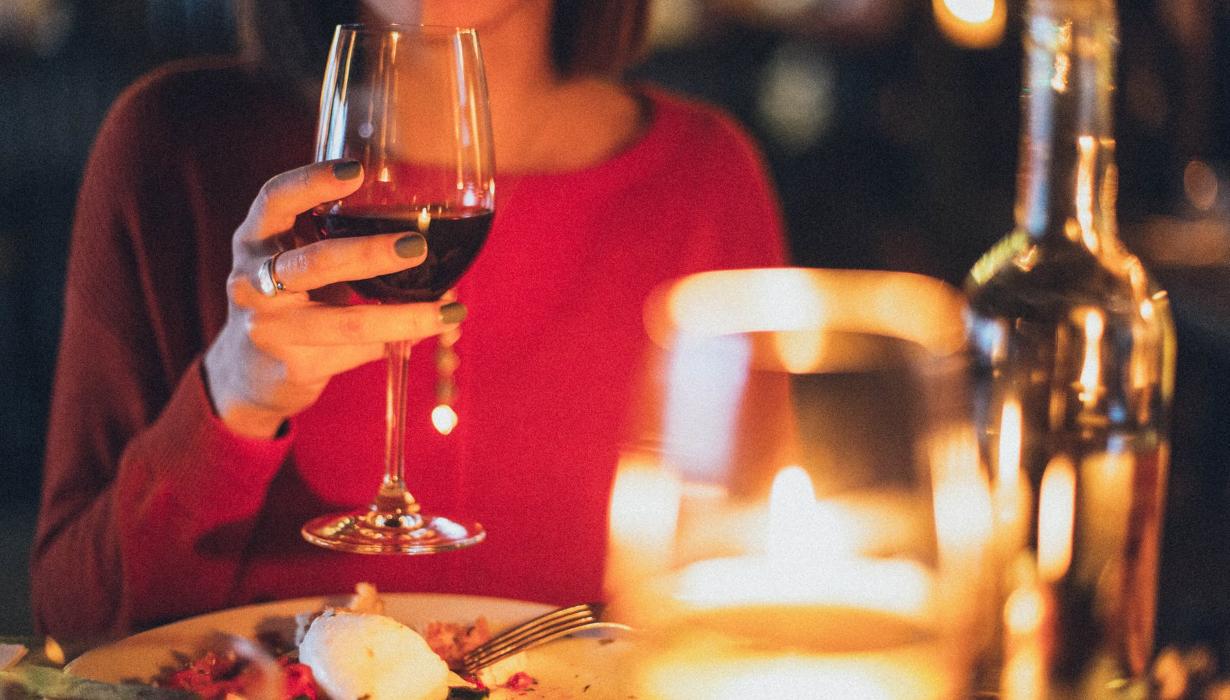 laba vīna pudele