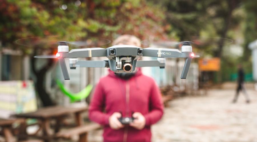 drons fotografēšanai