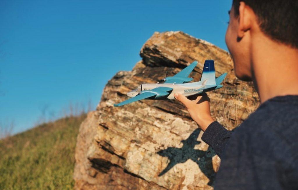 Saliekams lidmašīnas modelis